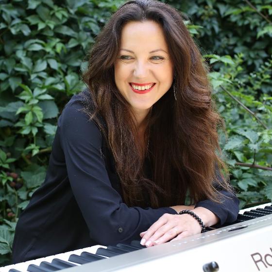Tajemoje<BR>Host: Norbi Kovács