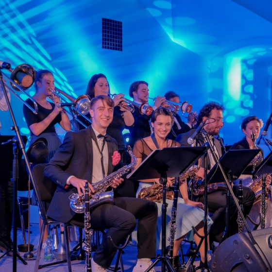 Swingová tančírna s The Mole's Wing Orchestra & Humboldt Bigband
